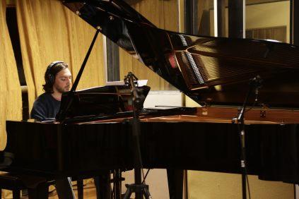 Lucas al piano